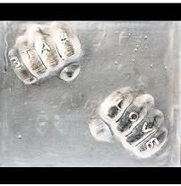 By Gonny Glass Dutch gal & her sidekick Maus the Chihuahua, kicking ass from London! Urban Glass & Inventive Mixed Media Artist! Twitter & Facebook: @gonnyglass http://www.gonnyglass.co.uk
